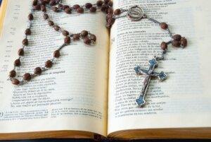 How do I pray a novena?