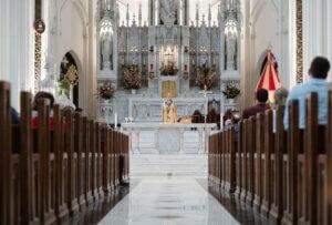 How do I bring a non-Catholic friend to Mass?